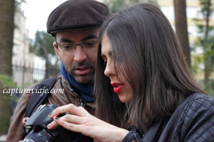 Modelo y Fotógrafo conversan