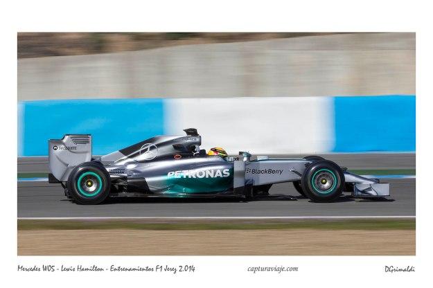 Mercedes W05 - Lewis Hamilton - Barrido panorámico - Entrenamientos F1 Jerez 2014