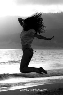 12 - Contraluz - Y la arena también saltó - Playa de Bolonia - Tarifa