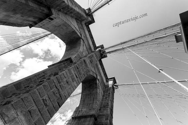 Pilares del Puente de Brooklyn - Manhattan - New York